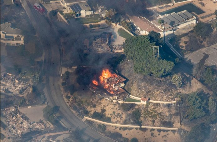 BREAKING NEWS – Woolsey Fire – Evidence of Directed Energy